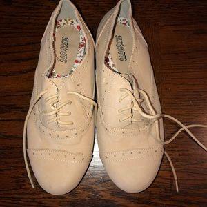 Shoes - Boutique flats